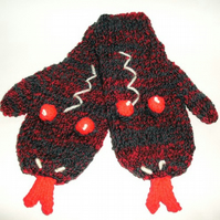 Cyrus the Glove Snakes, age 5-6 years, FREE P&P