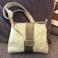 Cross Body or Shoulder Smart Messenger Bag