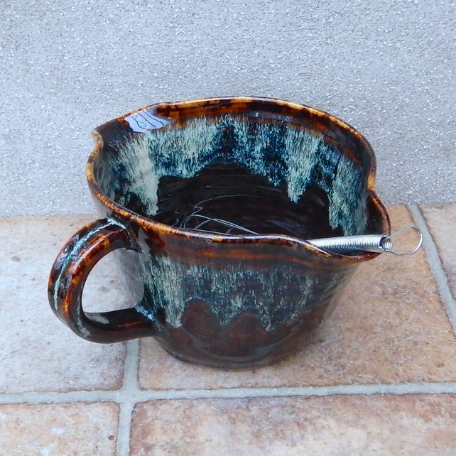 Hand Throwing Stone : Large sauce serving jug mixing or pouring bowl folksy
