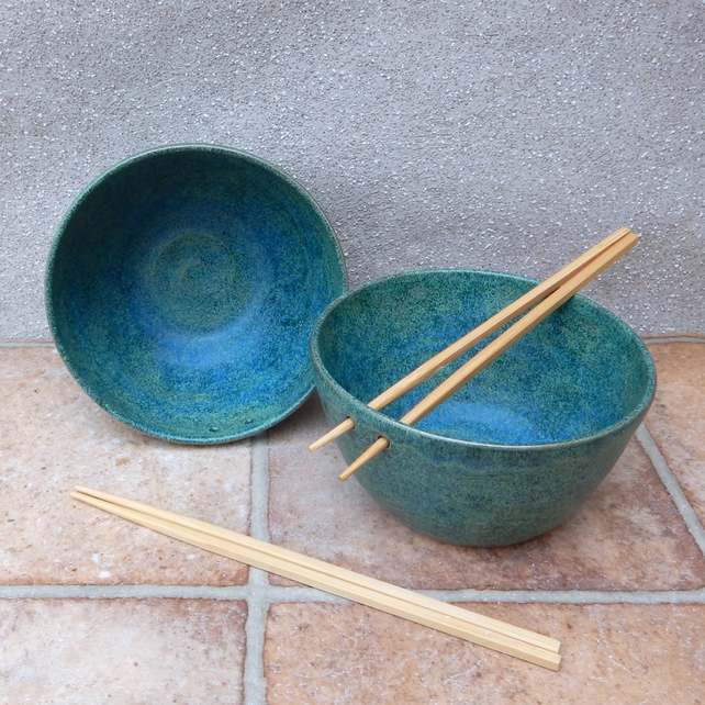 Noodle or rice serving bowl hand thrown in stoneware pottery ceramic