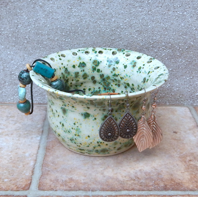Jewellery earring bowl for organising and displaying your jewelry handmade
