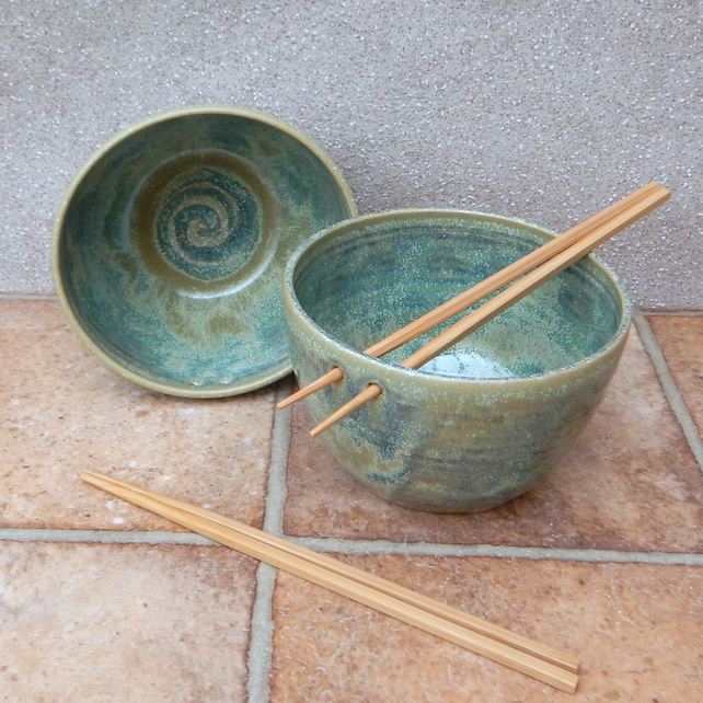 Pair of large noodle or rice bowl handthrown stoneware pottery handmade ceramic