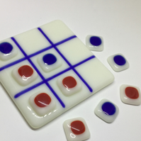 Fused Glass Noughts and Crosses Game