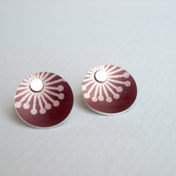 Plum studs earrings with starburst print
