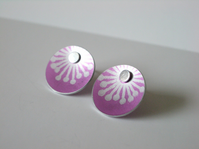 Pink starburst stud earrings