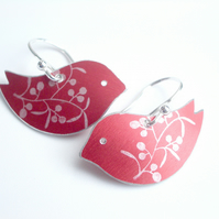 Bird earrings in red with berries