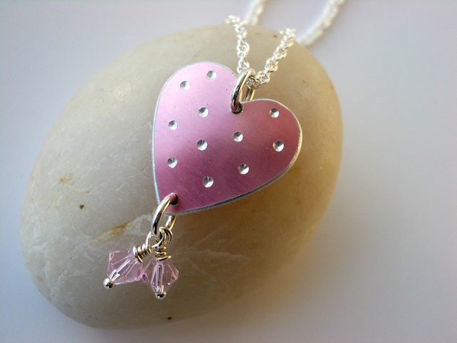 Heart pendant necklace in pink with spots