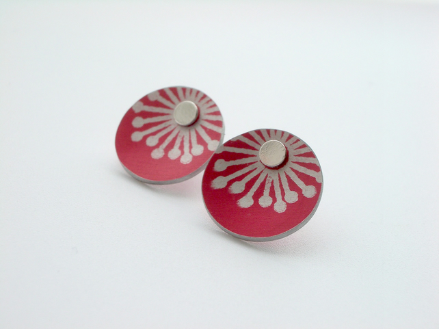 Starburst stud earrings in red