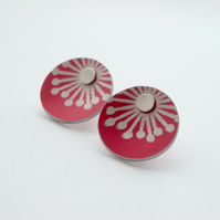 SALE Starburst stud earrings in red - SECOND
