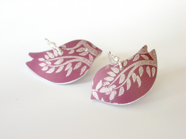 Bird earrings with tree print in burgandy
