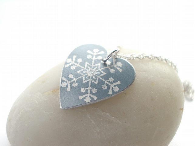 Snowflake heart pendant in silver grey