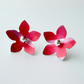 Flower studs earrings in red checks