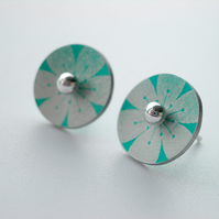 Flower circle studs earrings