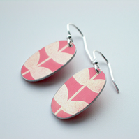 Leaf  oval earrings in pink