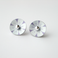 Flower circle studs earrings in purple