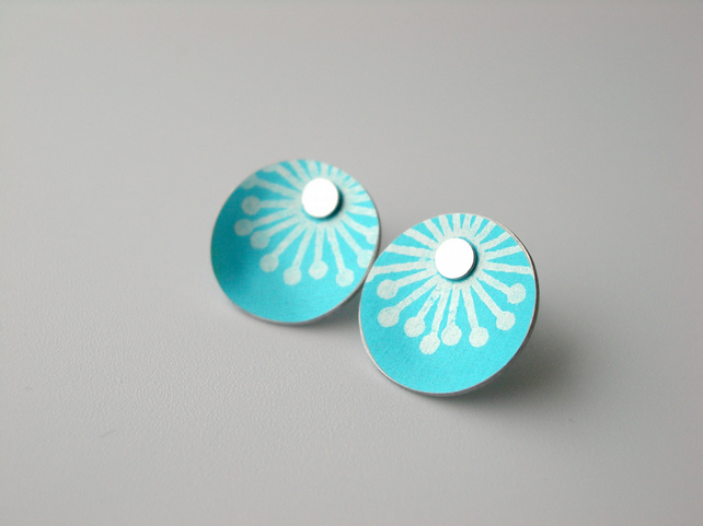 Starburst circle studs earrings in light blue