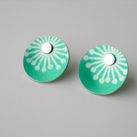 Circle starburst studs earrings in jade green