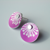 Starburst stud earrings in bright pink