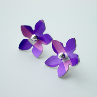 Flower studs earrings in purple and pink checks