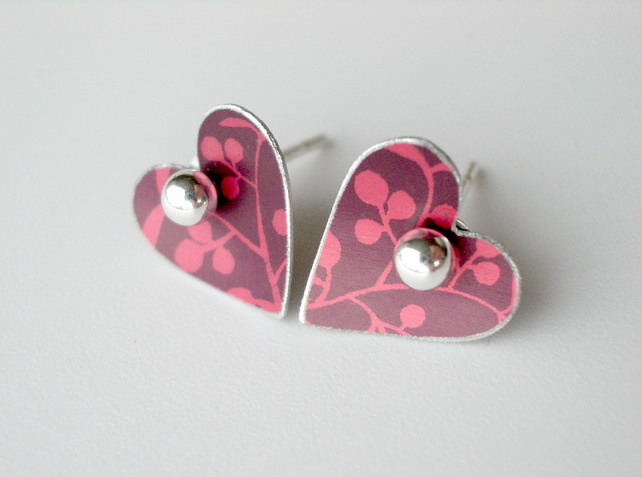 Heart studs earrings in plum and red with berries