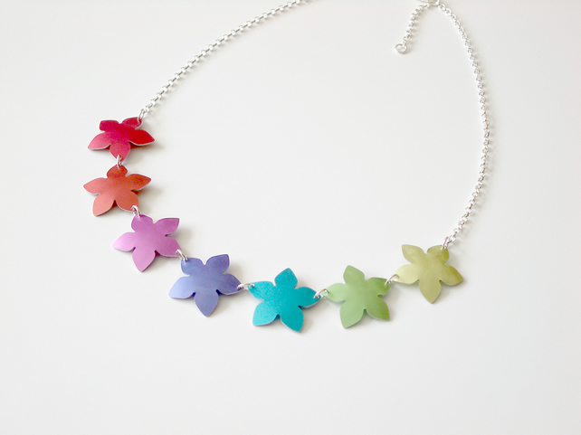 Flower necklace in rainbow colours