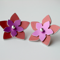 SALE Flower studs earrings in coral & pink - SALE