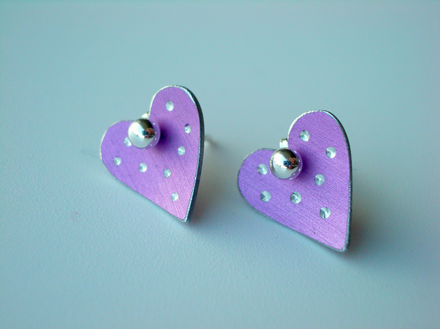 Heart pastel studs earrings in mauve with sparkly dots