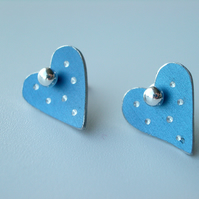Heart pastel studs earrings in blue with sparkly dots