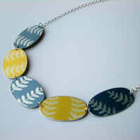 Leaf necklace in grey and yellow