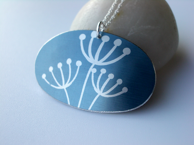 Oval cow parsley pendant necklace in grey and silver
