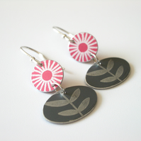 Flower and leaf earrings in red and grey