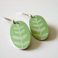 Green leaf oval earrings
