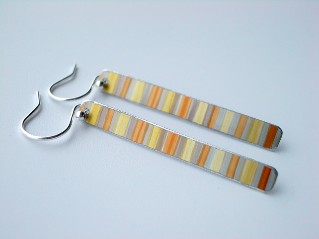 Rectangle earrings in yellow stripes