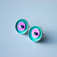 Circle earrings studs in green and pink