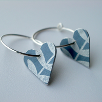 Heart hoop earrings in grey and silver