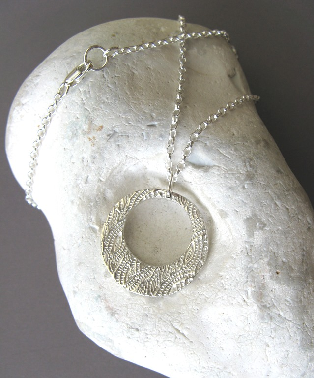 Fine silver disc necklace