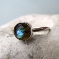 Sterling silver and labradorite ring size O to P