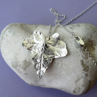 Fine silver ivy leaf necklace