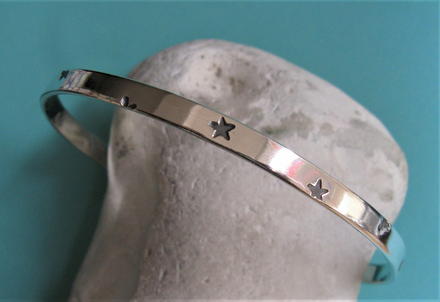 Star bangle in sterling silver