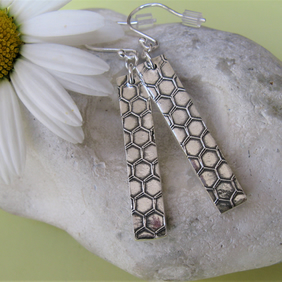 Hallmarked Fine silver honeycomb earrings