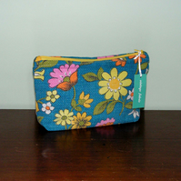 Vintage Flowers Make-Up Bag