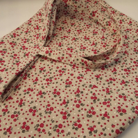 Dainty Red Flower Shopping Bag