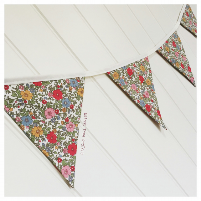 Rose and Hubble Bunting