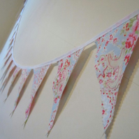 2.7m of Super Pretty Bunting!