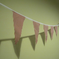 6m of pretty red & white stripey bunting