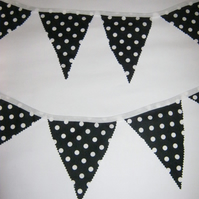Black and white polka dot/spotty bunting 3.9m