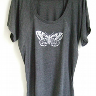 silver moth womens heather grey  printed T shirt  raglan style