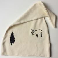 kids  babies organic cotton printed hat ecru  reindeer and fir tree print