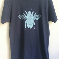 Bee Mens Organic T shirt  vintage washed denim blue size small