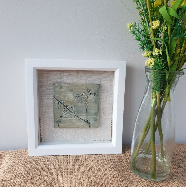 Framed Ceramic Botanical Tile – Glimmer Green Cow Parsley